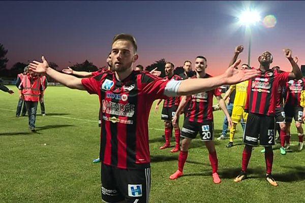 Les Vendéens ont de nouveau célébré une victoire avec les 5 000 spectateurs présents autour du stade Massabielle.