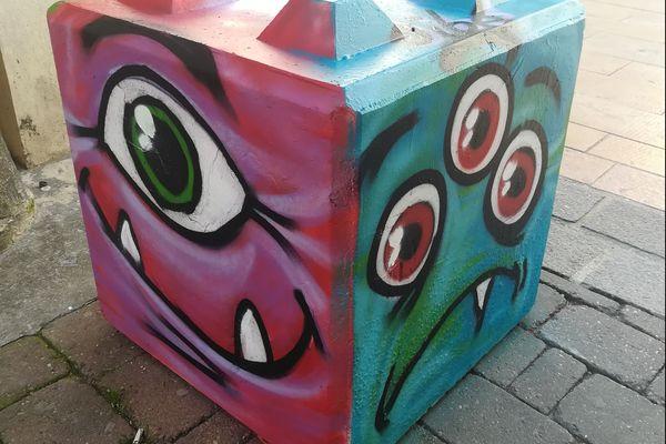 Jibé participe régulièrement à des opérations du genre dans la ville de Châlons, afin d'égayer le mobilier urbain