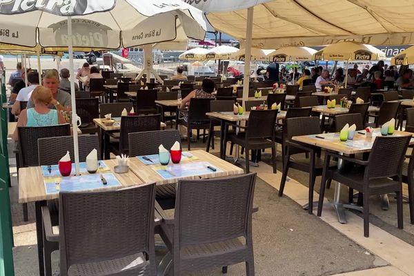 À partir de ce mercredi, les cafés et restaurants pourront servir leurs clients jusqu'à 23 heures.