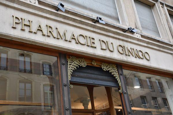 La pharmacie du Ginkgo, rue des Dominicains à Nancy