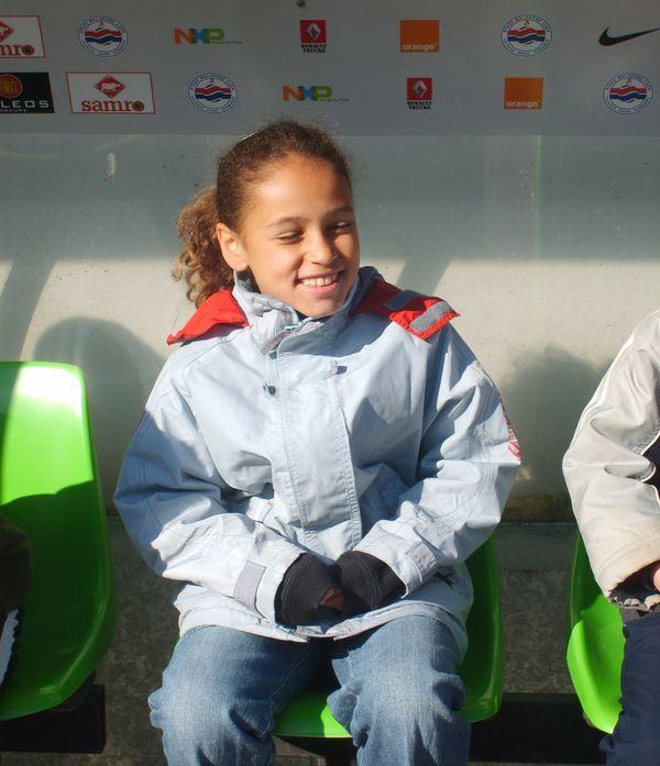 En 2008 à d'Ornano, lors des visites réservées aux enfants des clubs voisins. Aujourd'hui, elle y revient en pro et avec le maillot des bleues qui porte son nom et peut-être le numéro 14.