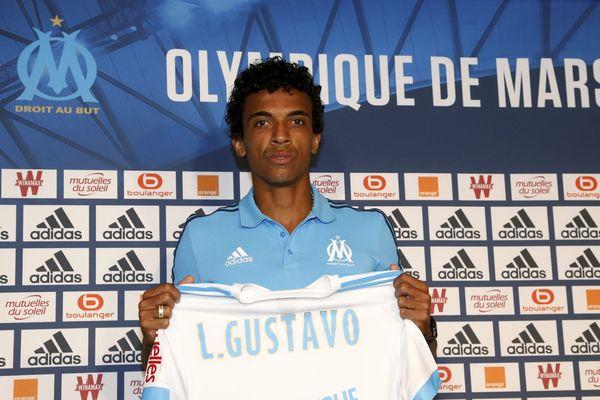 Présentation à la presse de Luiz GUSTAVO.