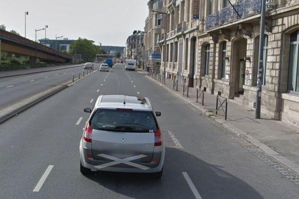 A Rouen, sur les quais (Gaston Boulet/Mont Riboudet) permettant de rallier l'est à l'ouest, la voie de droite sera neutralisée au profit des cyclistes, d'autres axes seront concernés.