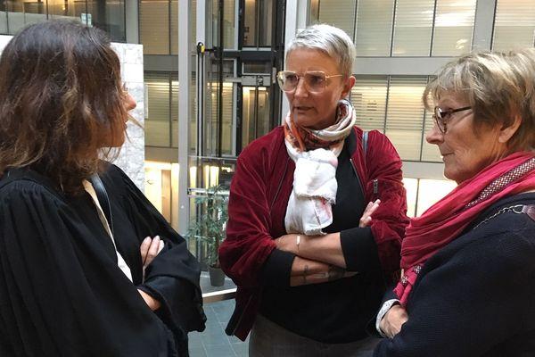 Ce 1er octobre 2019, la mère de Mathis, Nathalie Barré est au tribunal de Caen.