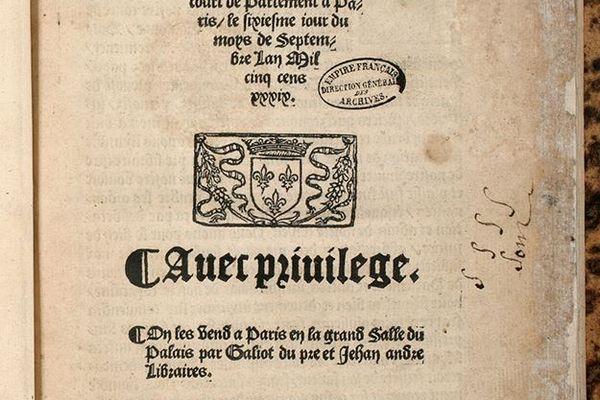 En août 1539, François 1er signe l'ordonnance de Villers-Cotterêts qui interdit le latin dans les actes officiels administratifs.
