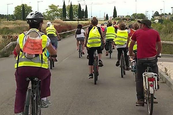 Montpellier - opération vélorution pour réclamer des pistes cyclables sécurisées dans la métropole - 10 juin 2018.