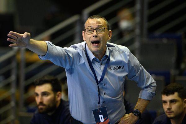 Patrice Canayer est l'entraîneur du Montpellier Handballa Club depuis 1994.