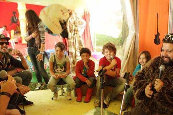 Encadrés par des animateurs, les enfants de 6 à 10 ans pourront entre autres jouer de l'orgue de barbarie version rock.