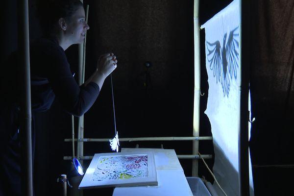 """Sandrine Maunier et son interprétation de """"La légende de la troisième colombe"""", en création avec la compagnie de marionnettes Arketal."""