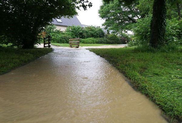 Des routes et des rues inondées à Liffré