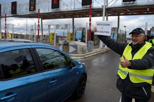 Le Sénat supprime la hausse des carburants, objet de la contestation massive des gilets jaunes - Photo d'illustration