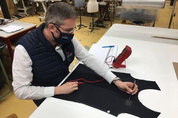 L'entreprise Mulliez-Flory à Sèvremoine en Maine-et-Loire fabrique des t-shirts intelligents et connectés