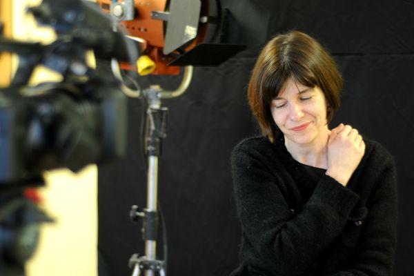 """Emmanuelle Pireyre, lauréate du Prix Médicis en 2012 pour son roman """"Féerie générale"""", est jurée dans la compétition nationale du 35ème festival du court-métrage de Clermont-Ferrand."""