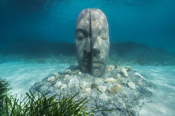 Les 6 sculptures de l'artiste Jason deCaires Taylor ont été immergées aux abords de l'île Sainte-Marguerite.