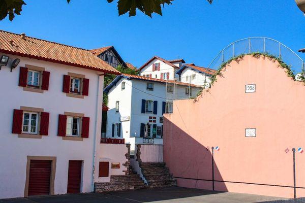 Comment vont s'appliquer les règles sanitaires au pied des frontons du Pays basque ?