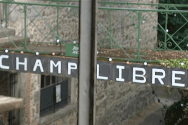 Champ Libre, le festival de création contemporaine dure jusqu'au dimanche 18 septembre 2016 sur le site Corot à Saint-Junien, en Haute-Vienne