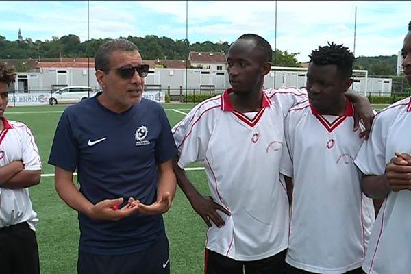Avant la rencontre, le coach tient à rappeler l'enjeu du match : l'amitié - 22 juin 2019