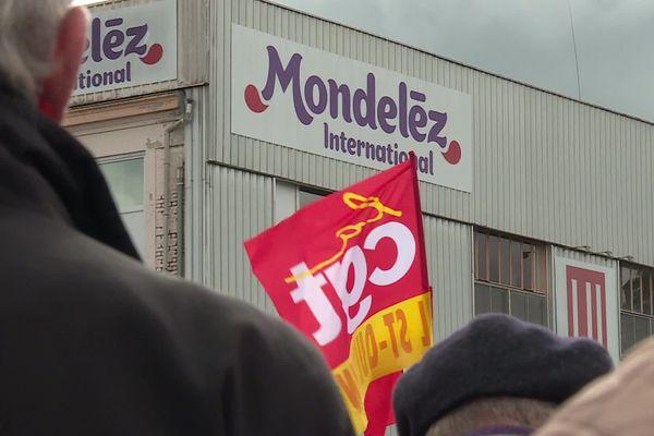 Rassemblement devant l'usine Mondelez de Jussy, le 6 octobre 2020.