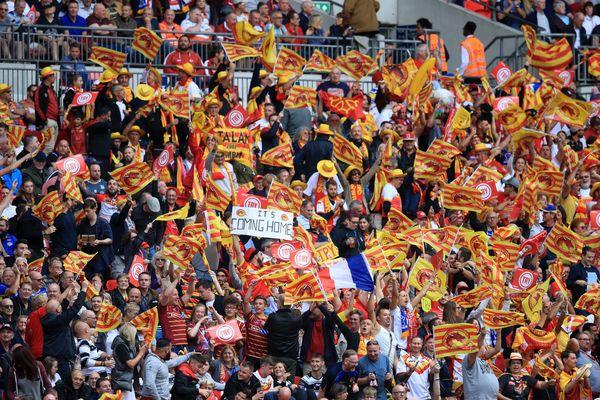Les supporters des Dragons Catalans au stade de Wembley lors de la finale de Challenge Cup le 25 août 2018