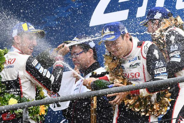 Buemi, Nakajima et Alonso sur le podium des 24 Heures du Mans 2019