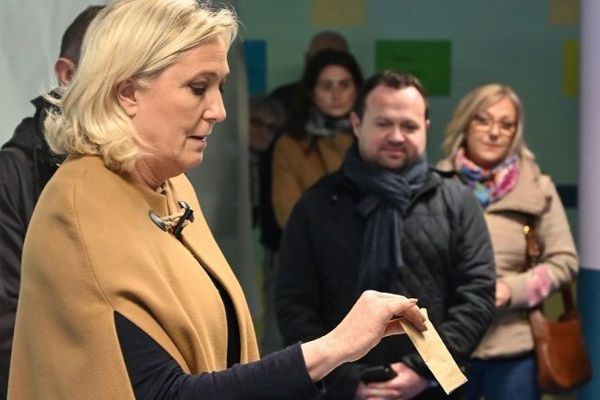 Marine Le Pen à Hénin-Beaumont dimanche.