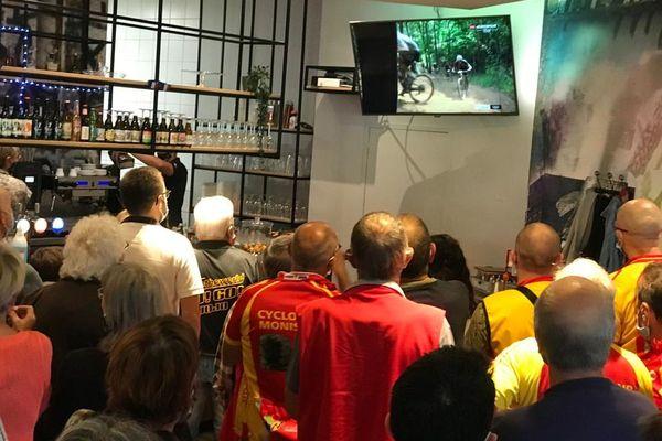 Lundi 26 juillet, une soixantaine de supporters étaient dans un bar de Monsitrol-sur-Loire pour supporter Jordan Sarrou, l'enfant du pays.