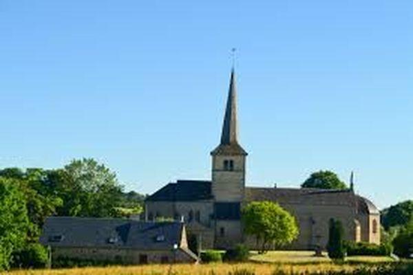 La flèche de l'église Saint-Pierre de Sermages avait été largement retouchée.