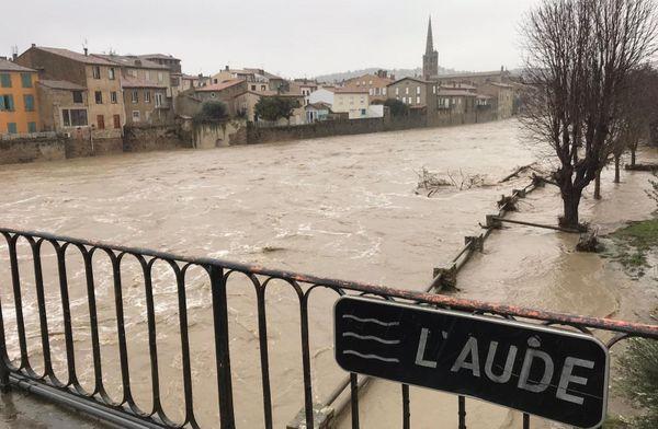 Limoux était toujours sous les eaux ce jeudi, de nombreux habitants ont été évacués.