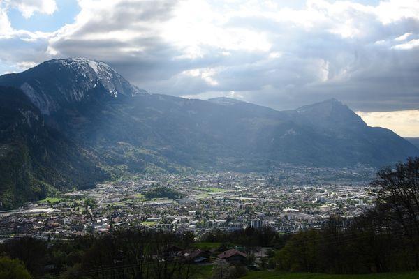 La vallée de l'Arve, qui mène à Chamonix, est régulièrement polluée - Photo d'illustration.