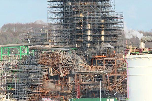 Le distillateur qui a pris feu à la raffinerie Total de Gonfreville l'Orcher