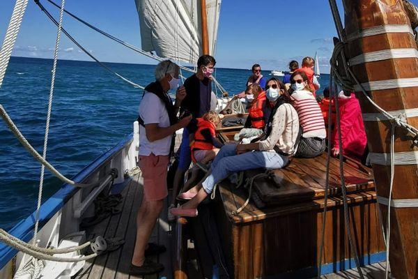 Covid oblige, les marins de la Granvillaise doivent porter un masque lors des sorties en mer.