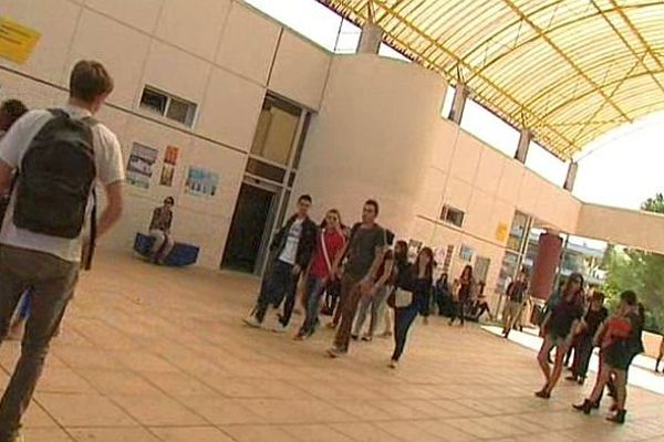 Montpellier - des étudiants à l'université Paul Valéry UM3 - septembre 2013.