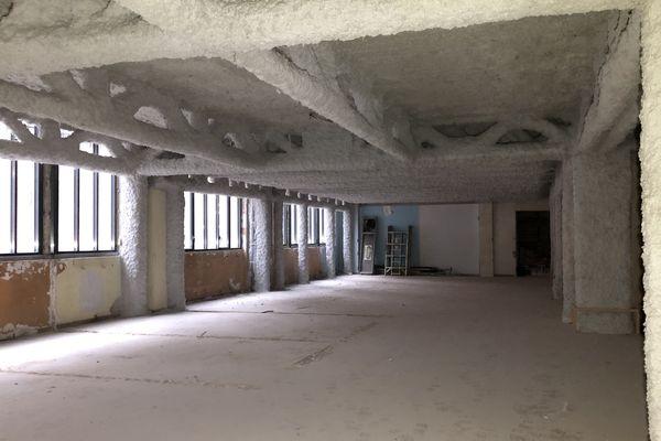 Dans les espaces en cours de rénovation, la future salle du petit déjeûner