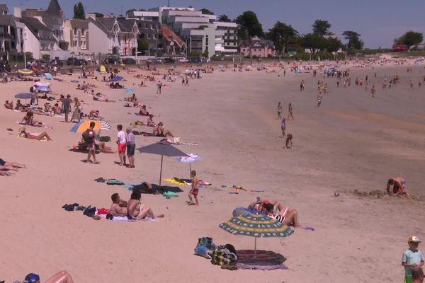 À Larmor-Plage, les vacanciers respectent plutôt les mesures de prudence contre le Covid-19