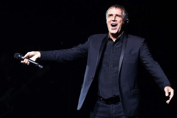 Deux des trois candidats ont décidé de poursuivre l'aventure The Voice avec Julien Clerc.
