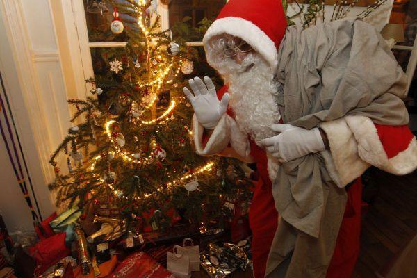 """Le maire de Riotord (Haute-Loire) a pris un arrêté municipal autorisant le """"survol"""" du Père Noël au-dessus de la commune dans la nuit du 24 au 25 décembre."""