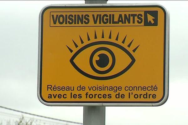 Les pancartes elles-mêmes, placées à l'entrée des communes, peuvent avoir un effet dissuasif.