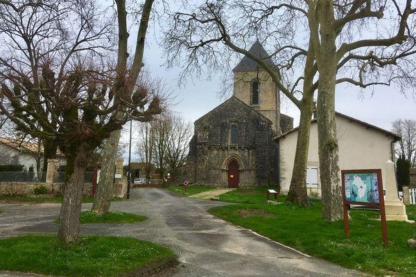 À Vançais, paisible commune des Deux-Sèvres, la nouvelle s'est répandue parmi la population.