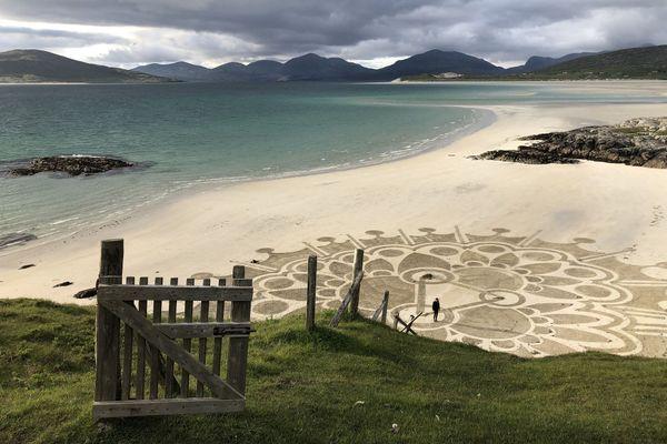 En Écosse, une oeuvre d'Art de plage Saint-Malo