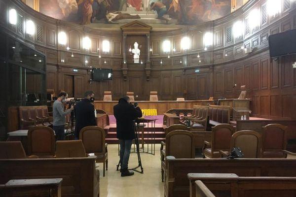 La Cour d'Assises de l'Hérault à Montpellier avant l'ouverture du procès de l'assassinat de la grotte sanglante de Sète