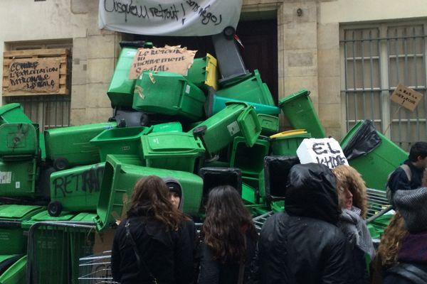 Une entrée du lycée Sophie-Germain, bloquée, dans le 4ème arrondissement de Paris.