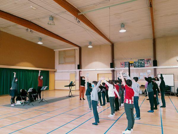 Les enfants choristes de Quetigny répètent pour chanter avec l'Orchestre Dijon Bourgogne