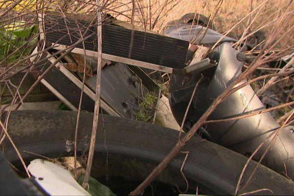 La commune de Loire-les-Marais doit faire face depuis plusieurs années à des dépôts sauvages de déchets qu'elle doit ensuite prendre en charge.