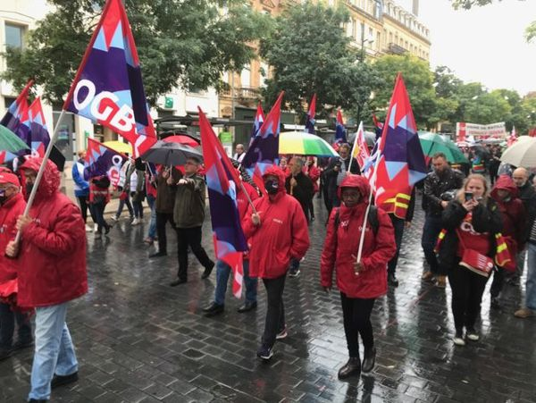 A Metz, la manifestation s'est également déroulée sous la pluie.