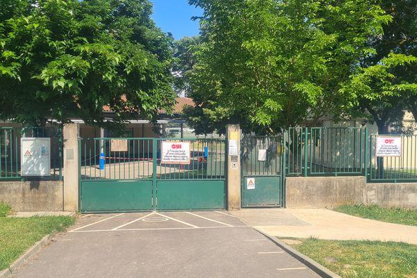 Haute-Garonne - Une classe de maternelle va ouvrir et deux classes élémentaires vont fermer à l'école René Cassin de Lherm. 2021.