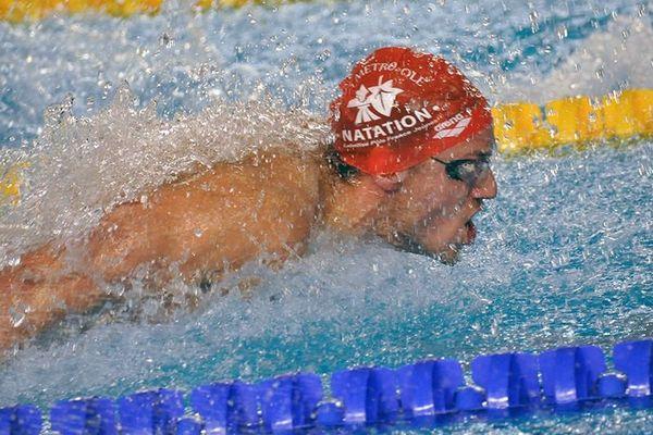 Eddie Moueddene (54.19) au 100 m 4 nages