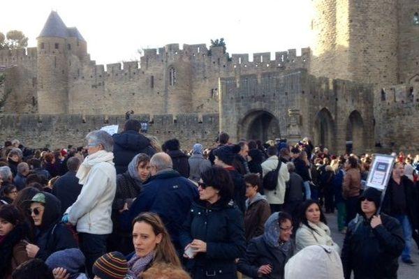 Carcassonne - le cortège devant la Cité - 11 janvier 2015.