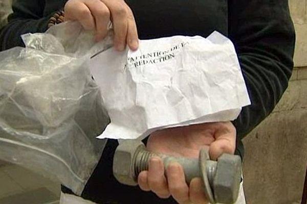 L'un des boulons envoyés à plusieurs préfectures et médias - 7 août 2013.