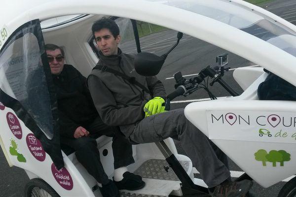 Pour finir d'équiper son triporteur, Antoine Paye le coursier a fait un appel aux dons sur internet.