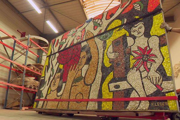 Cette mosaïque monumentale de Fernand Léger, partie de la collection de Paul Haim, fait l'objet d'une restauration en Dordogne en vue de sa vente chez Christie's fin octobre